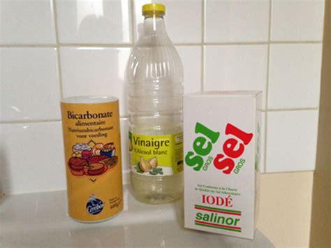 Deboucher Evier Bicarbonate Soude Vinaigre Blanc by Comment D 233 Boucher Une Canalisation 10 Trucs Et Astuces