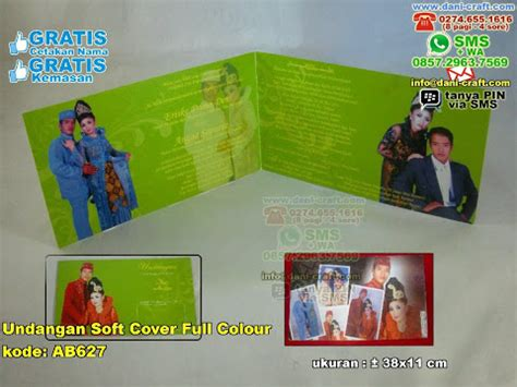 Soft Cover Plus Gantungan undangan tas spesial plus foto colour souvenir