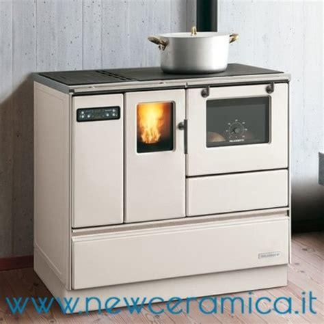 stufe a pellet per cucinare cucina a pellet ornella 8 2 kw palazzetti