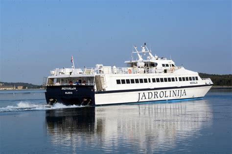 ferry catamaran novalja catamaran mali lošinj ilovik susak unije cres rijeka