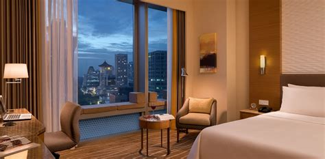 room suite accommodation orchard gateway singapore club room hotel jen orchard gateway singapore