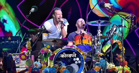 coldplay announce new music in 2017 one news page video just announced coldplay live at du arena on new year s