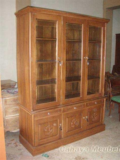 Lemari Jati Minimalis 3 lemari buku jati 3 pintu minimalis cahaya mebel jepara