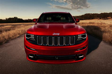 dodge jeep 2014 get out of the way the 2014 jeep grand cherokee srt8 is