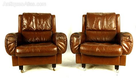 antiques atlas mid century leather chairs by fritz hansen c1960 antiques atlas pair of mid century leather chairs from