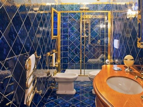 royal blue bathrooms royal blue bathrooms on pinterest blue bathrooms dark