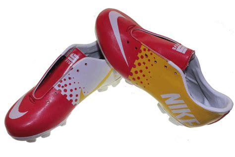 Sepatu Bola Nike Warna Kuning nike 5 bola anak sepatu olahraga nike adidas reebok