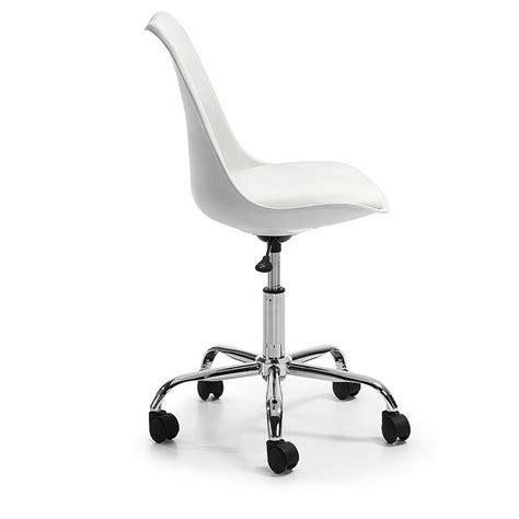 chaise à roulettes chaise a roulettes de bureau