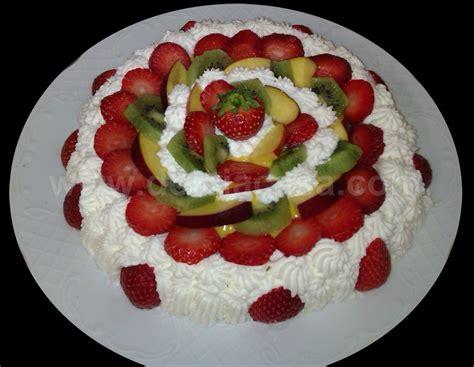 decorare torta con kiwi torte decorate torta fragole kiwi pesche gt dolci a casa