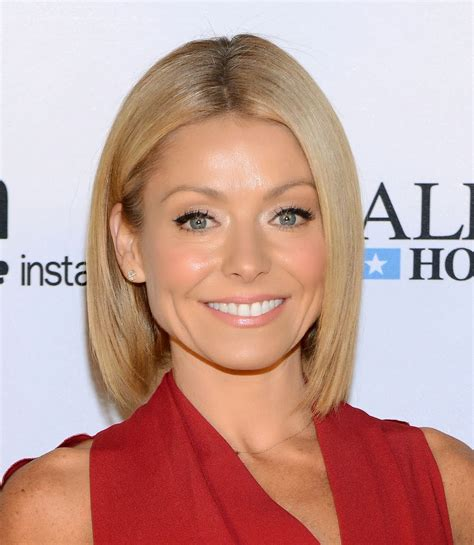 what color polish is kelly ripa wearing on her nails beautytiptoday com kelly ripa s hide go chic essie nail