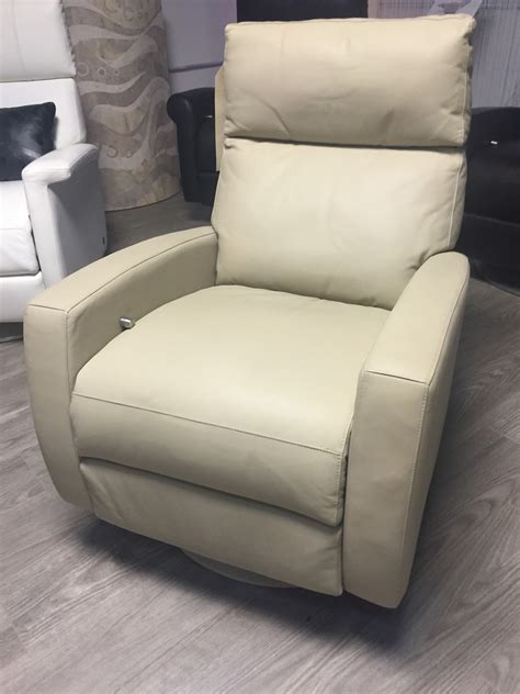 American Leather Recliner American Leather Comfort Recliner Ella Rv5 Gr G Elmo Leather Sidewalk In