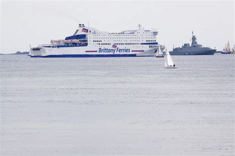 Perahu Perang Boat gambar air lautan mengangkut kendaraan pelabuhan arktik kapal kargo inggris plymouth