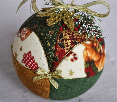 Patchwork Ornaments - quilted bola de patchwork aguja