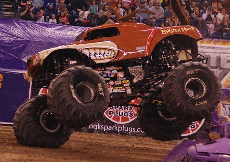 monster truck jam indianapolis monster jam photos indianapolis monster jam 2015
