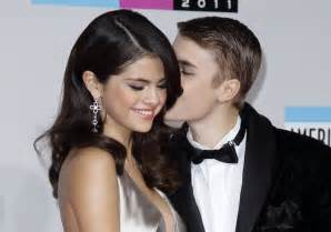 Justin Bieber With Girlfriend in New Photos 2012   Hollywood