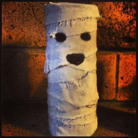 Mummy Toilet Paper Roll Craft - toilet roll crafts