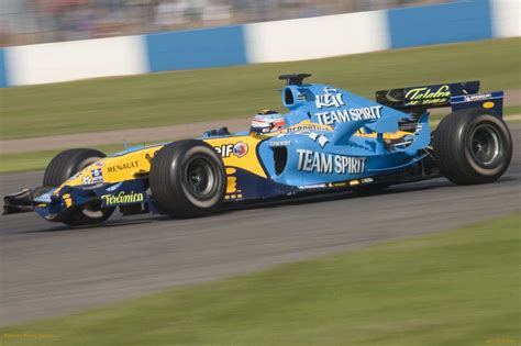 renault f1 alonso renault f1 r25 2005 fernando alonso automotiv press