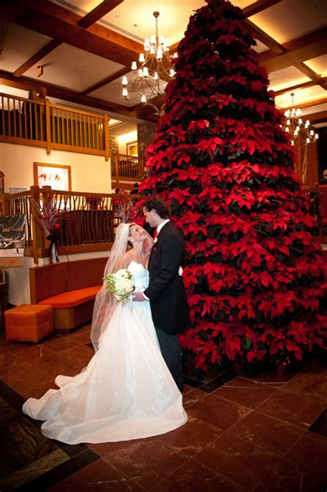 24 Eye catching Red Winter Wedding Ideas You Will Never