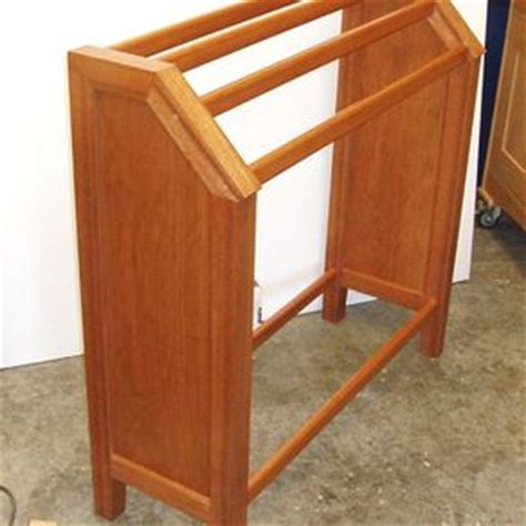 shaker quilt rack designs for your bedroom design ideas
