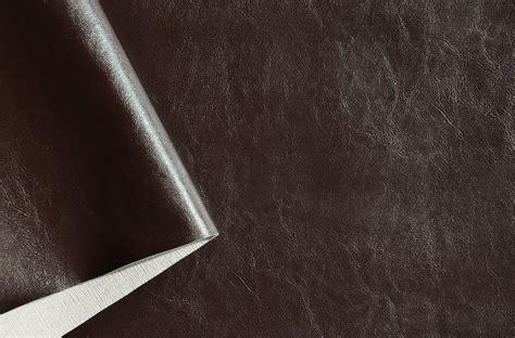 tapisser un canap recouvrir canape cuir maison design wiblia com