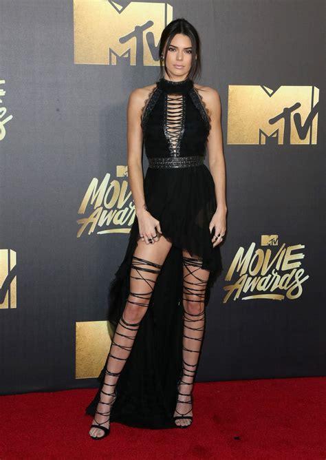 Mtv Awards Tight Trend by Kendall Jenner 2016 Mtv Awards In Burbank Ca