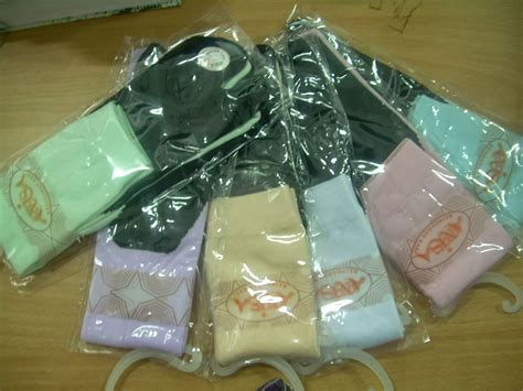 Kaos Kaki Panjang Terbelah Warna Warni distributor kaos kaki jakarta harga murah aneka merek dan