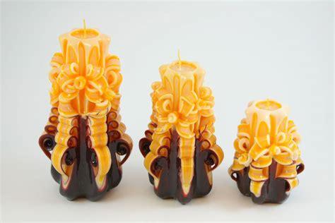 candele intagliate candela intagliata nastro marrone e giallo uovo candele shop