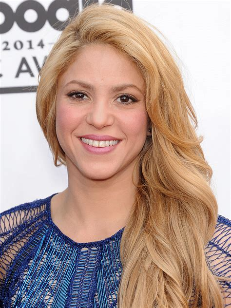 interesting facts about shakira biography shakira biography imdb shakira bio smartasses top 100