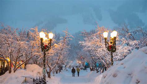 aspen christmas ski trips