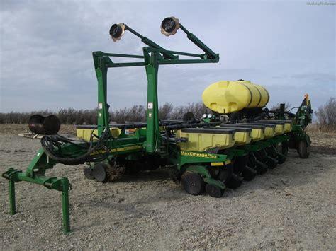 Deere 1770 Planter by 2003 Deere 1770 Planting Seeding Planters