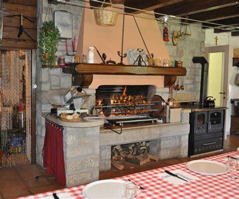 camino forno caminetto rustico con forno camini da interno a pellet