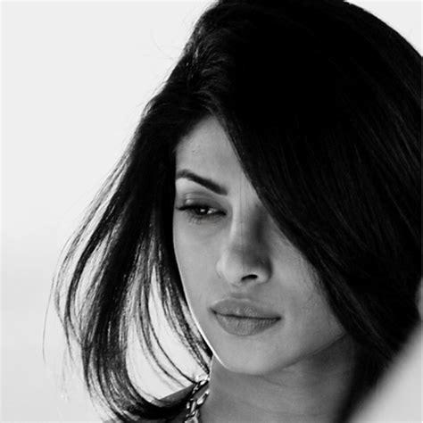 priyanka chopra is hospitalized priyanka chopra hospitalized find out why slide 1