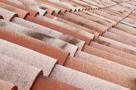 Combien Coute Une Tuile combien coute une toiture en tuile tous les toits