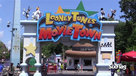 movie town looney tunes movie town youtube