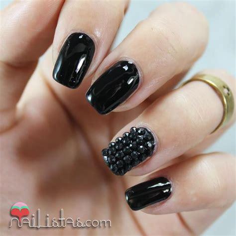 imagenes de uñas decoradas goticas u 241 as decoradas en negro charol con piedras nail art