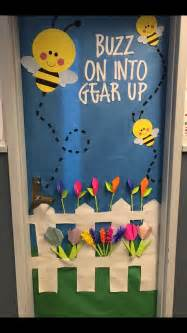 bumble bee classroom decorations best 25 bee bulletin boards ideas on bee