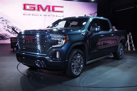 2019 Gmc New Tailgate by 2019 Gmc Offers Carbon Fiber Bed Multi Position