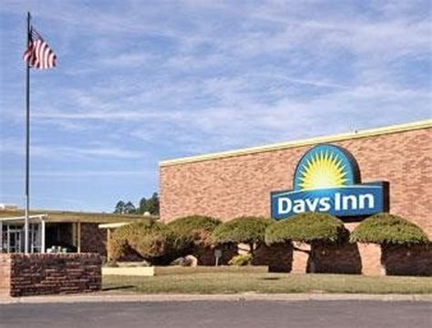 inn flagstaff pool picture of days inn flagstaff west route 66