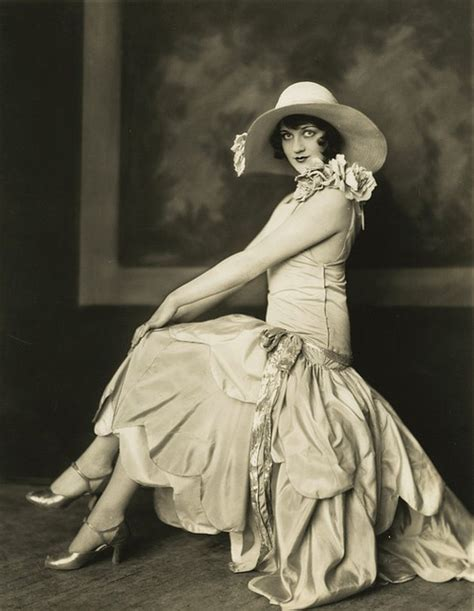 woman fashion mid 20s fashion in the 20 s and 30 s historical pictures