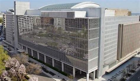 siege banque mondiale emploi la banque mondiale pr 234 te 100 millions de dollars