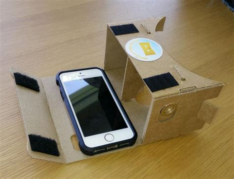 Vr Iphone Use The Cardboard Vr Headset With An Iphone Cnet