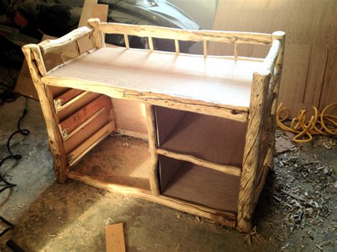 Building A Log Changing Table Using Genuine Alaskan Logs How To Build A Changing Table