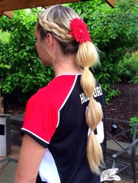 college wear hairstyles 1000 ideas about softball hairstyles on pinterest