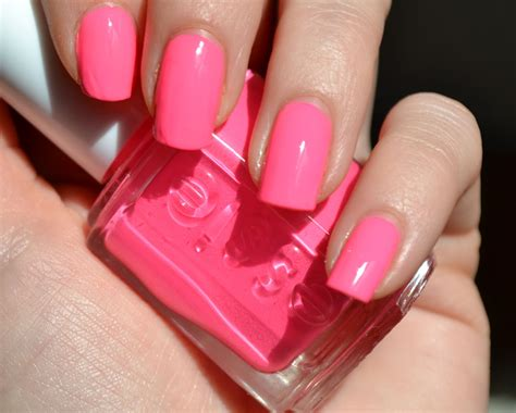 Swatch We Pink pink nail polishes we latinglam