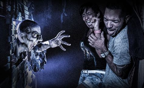 halloween horror nights  announces   special