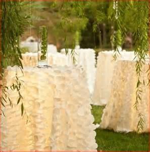 Wedding Table Cloths Ivory Petal Taffeta Tablecloth Table Runners By Moderncelebrations