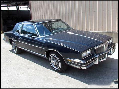 82 Pontiac Grand Prix by 1982 Pontiac Grand Prix Information And Photos Momentcar