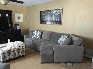 wall colors with gray couch
