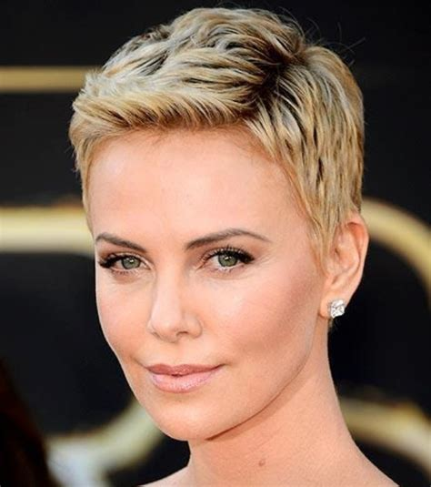 short old fashioned haircuts charlize theron sporting an charlize theron short haircut cool short blond closely