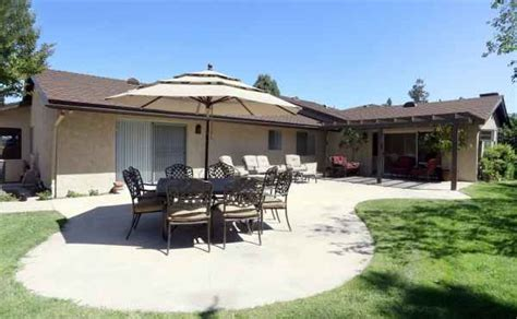 whispering oaks senior living in glendora california